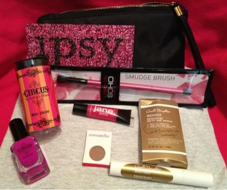 Ipsy Glam Bag1