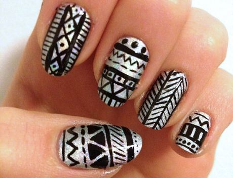 holo-tribal-nails