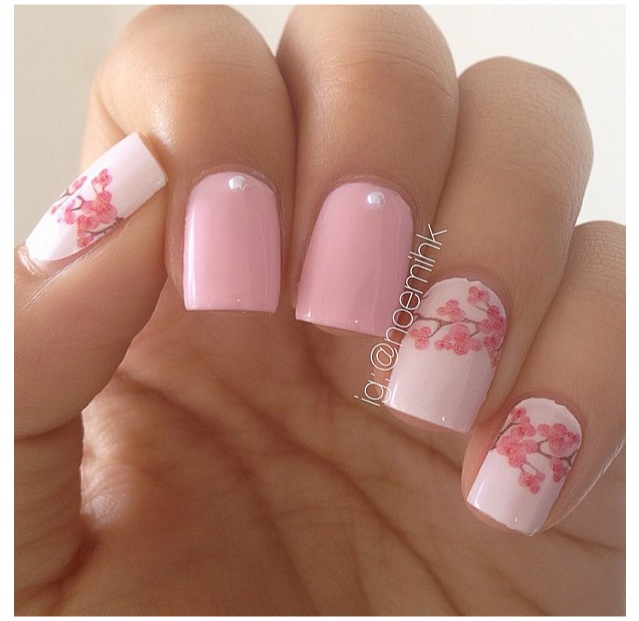 MANICURE MONDAYS: Fun Spring Nail Designs